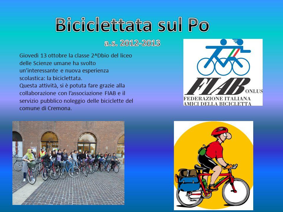 Giovedì 13 ottobre la classe 2^Dbio del liceo delle Scienze umane ha svolto un'interessante e nuova esperienza scolastica: la biciclettata.