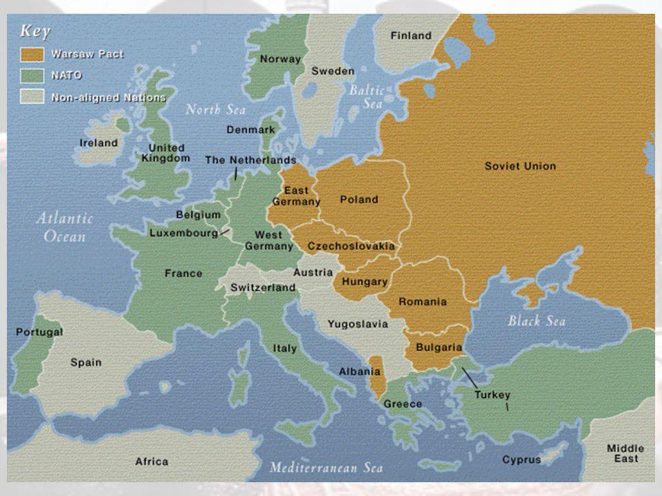 La nascita della NATO 86 Il 9 maggio 1955 la RFT entra a far parte della NATO Una settimana dopo nasce il Patto di Varsavia, organizzazione speculare