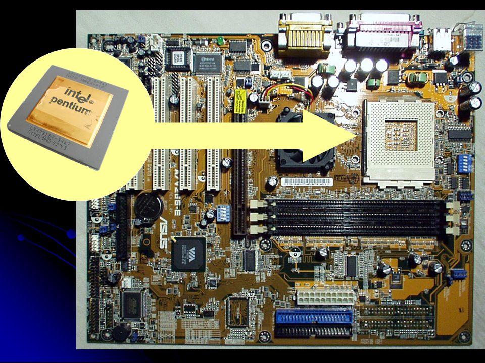 Clemente Silvestri - 200718 CPU La capacità di lavoro si misura in Megahertz 1MHz = 1 milione di vibrazioni elett/sec.