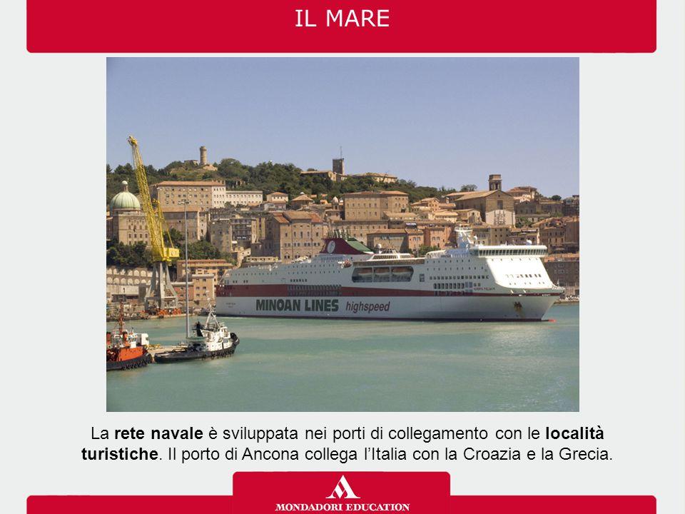 La rete navale è sviluppata nei porti di collegamento con le località turistiche.