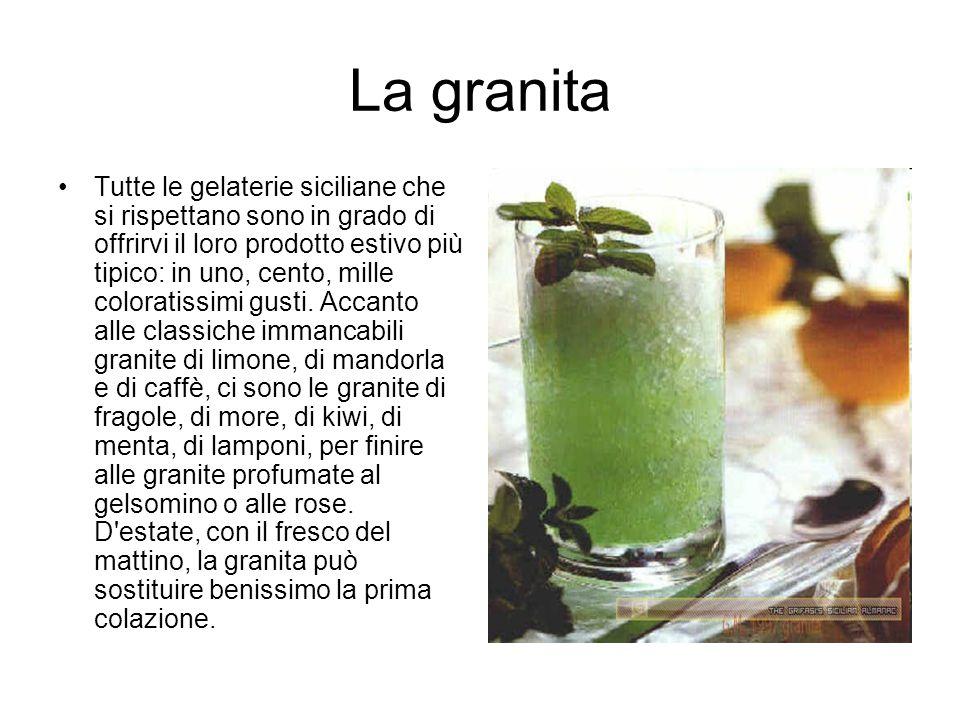 La granita Tutte le gelaterie siciliane che si rispettano sono in grado di offrirvi il loro prodotto estivo più tipico: in uno, cento, mille coloratis