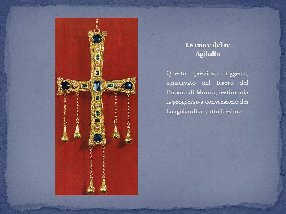 Questo prezioso oggetto, conservato nel tesoro del Duomo di Monza, testimonia la progressiva conversione dei Longobardi al cattolicesimo