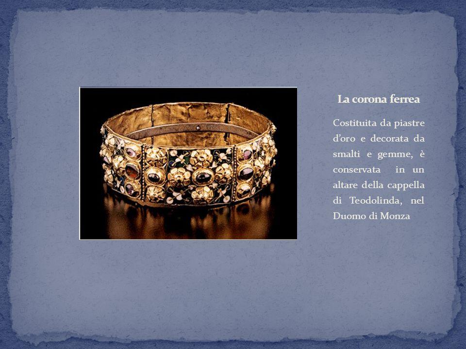 Costituita da piastre d'oro e decorata da smalti e gemme, è conservata in un altare della cappella di Teodolinda, nel Duomo di Monza