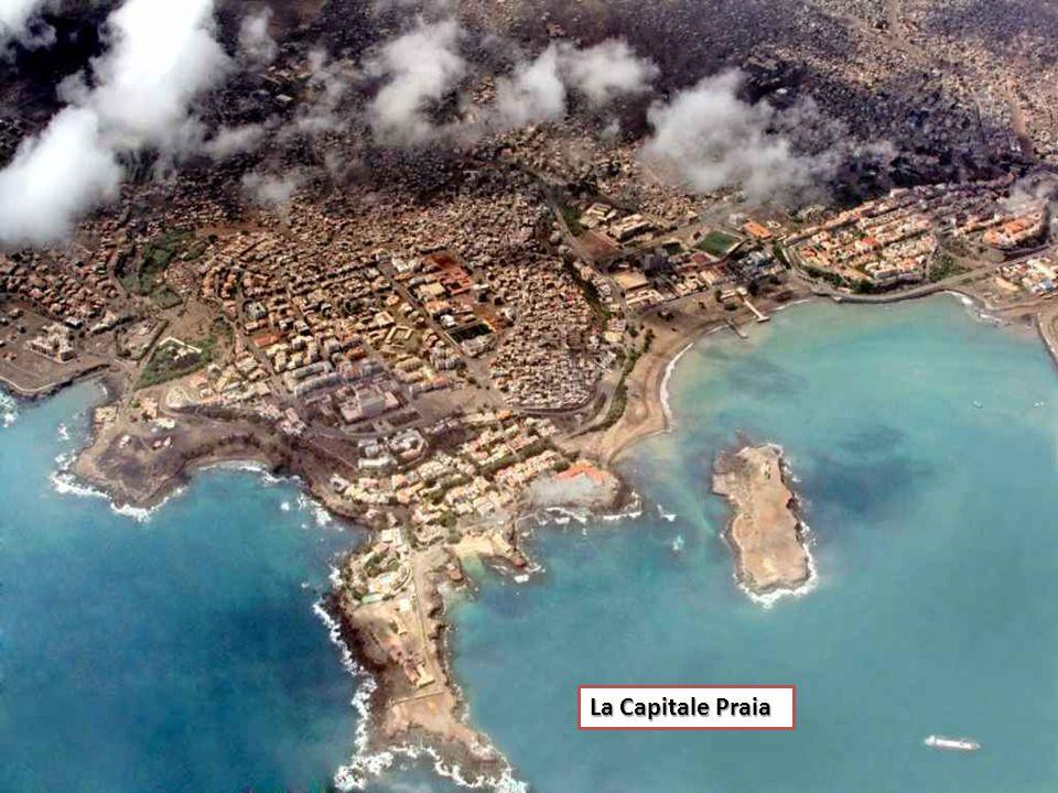 Capo Verde (in portoghese Cabo Verde, in creolo capoverdiano Cabu Verde, Cábu Vêrdi o Kabu Verde) è un arcipelago di dieci isole di origine vulcanica,