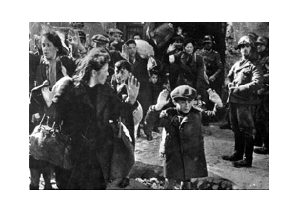 In seguito venne imposto il coprifuoco, prima delle 20.00 tutti gli ebrei dovevano rincasare….chi negli alloggi segreti chi nelle proprie case…..di lì a poco vennero trasferiti nei lager….