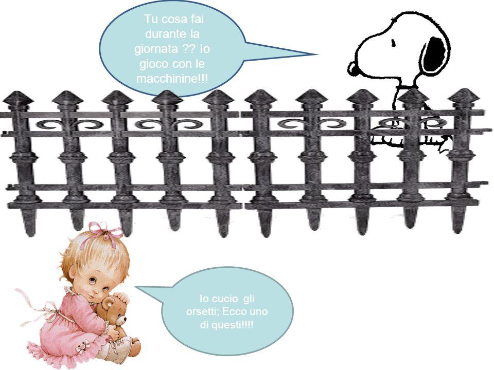 Snoopy al di là di un cancello incontra una bambina … Io mi chiamo Camilla! Ciao come ti chiami? Io Snoopy tu?