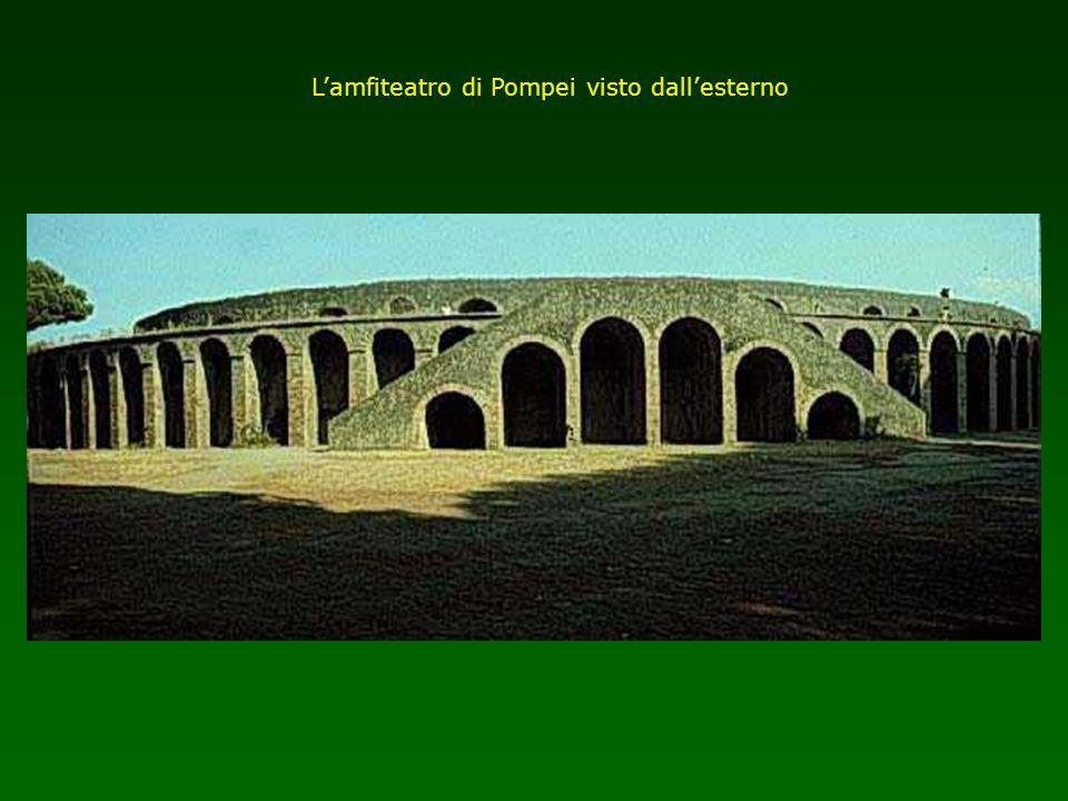 Lamfiteatro di Pompei visto dallesterno