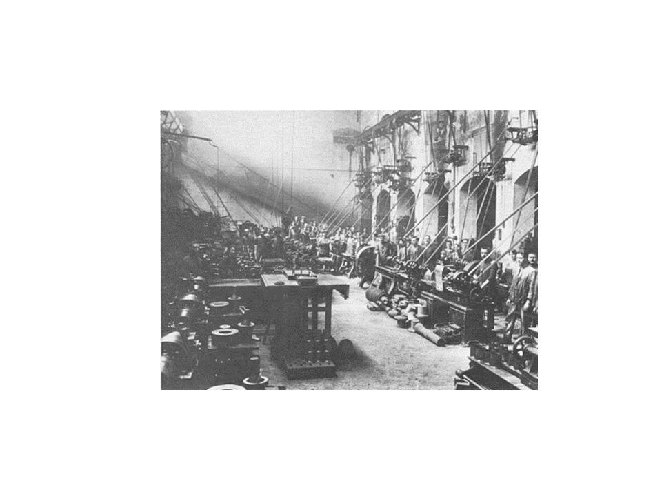 Sindacati e partiti L aumento quantitativo del proletariato di fabbrica e la relativa liberalizzazione legislativa favorirono lo sviluppo dei sindacati che iniziarono ad acquisire un rilievo non secondario anche fuori dal Regno Unito.