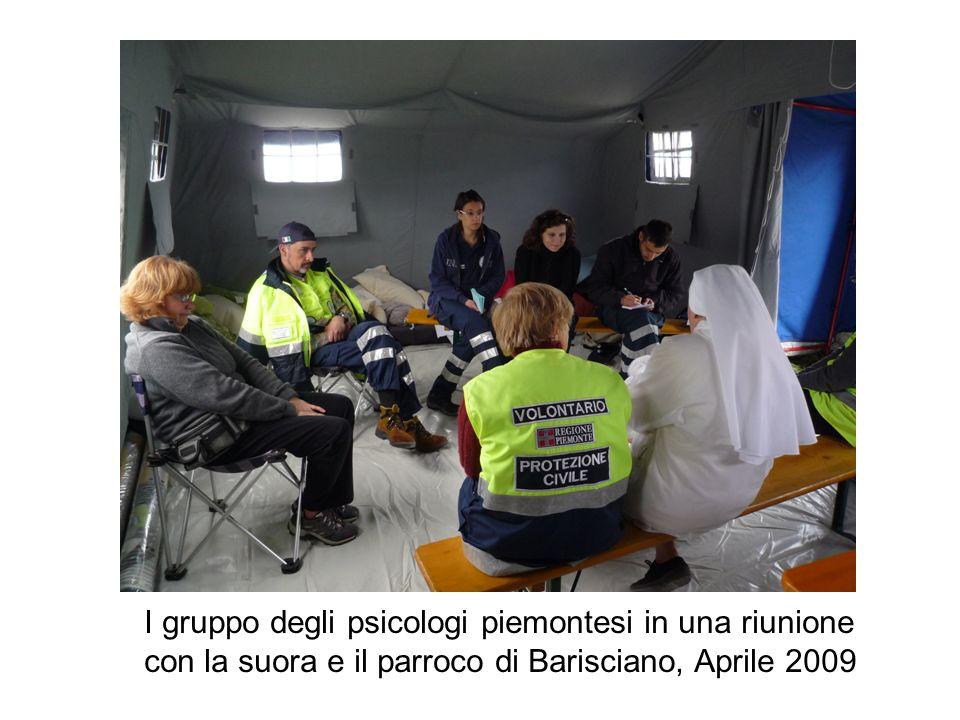 I gruppo degli psicologi piemontesi in una riunione con la suora e il parroco di Barisciano, Aprile 2009