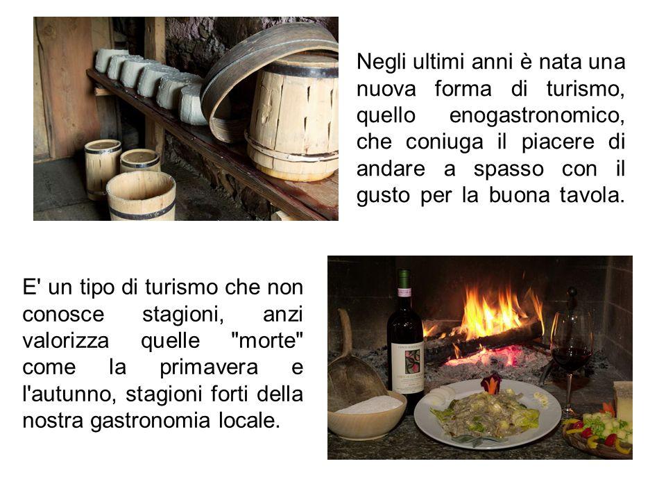 Oltre ad una cucina particolare, diversa da quella delle zone limitrofe, la Valtellina può vantare molti vini DOC e DOCG, che negli ultimi anni hanno ricevuto svariati riconoscimenti internazionali.