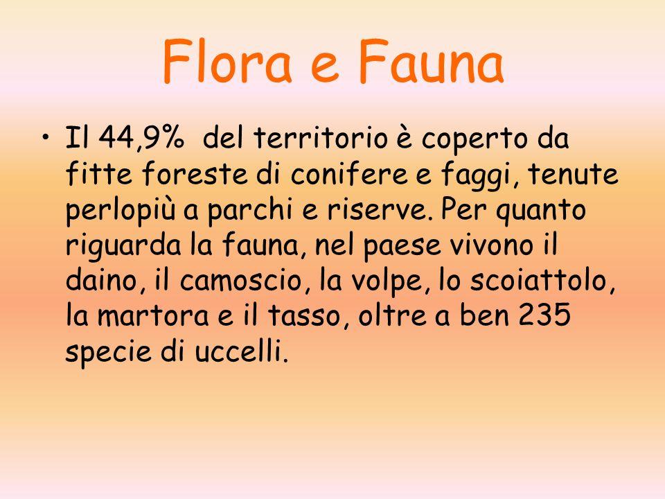 Flora e Fauna Il 44,9% del territorio è coperto da fitte foreste di conifere e faggi, tenute perlopiù a parchi e riserve. Per quanto riguarda la fauna