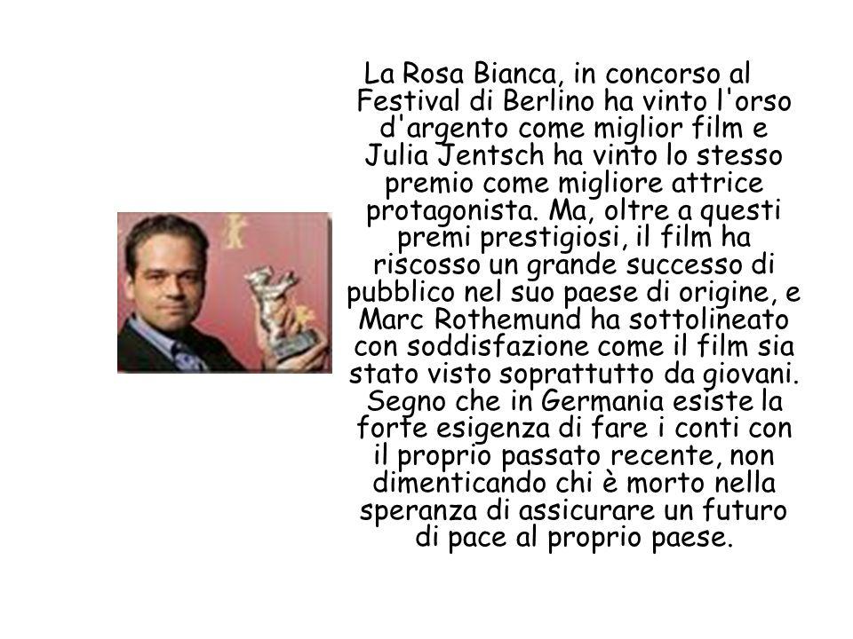 La Rosa Bianca, in concorso al Festival di Berlino ha vinto l'orso d'argento come miglior film e Julia Jentsch ha vinto lo stesso premio come migliore