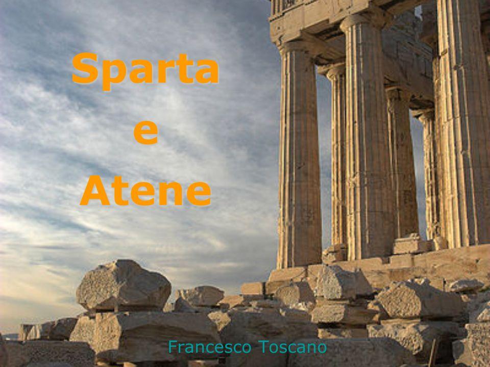 Sparta: la storia le testimonianze storiche su Sparta sono poche, leggendarie (per lo più tratte dai poeti Tirtèo e Alcmàne) e piene di pregiudizi (Sparta fu considerata sempre città-simbolo di oligarchia) le testimonianze storiche su Sparta sono poche, leggendarie (per lo più tratte dai poeti Tirtèo e Alcmàne) e piene di pregiudizi (Sparta fu considerata sempre città-simbolo di oligarchia) non ci sono mura, né grandi monumenti non ci sono mura, né grandi monumenti si trova nel Peloponneso e fu fondata nellepoca micenea; era chiamata Lacedèmone ed era governata dal re Menelào, marito di Elena si trova nel Peloponneso e fu fondata nellepoca micenea; era chiamata Lacedèmone ed era governata dal re Menelào, marito di Elena venne distrutta intorno al 1200 a.