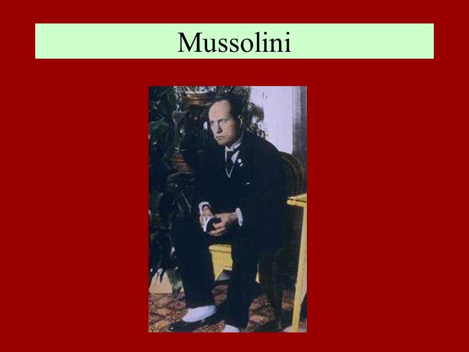 Mussolini (1900 - 1922) Benito Mussolini (1883-1945), iscritto dal 1900 al Partito Socialista, dopo aver compiuto studi irregolari, conseguì il diploma magistrale nel 1901.