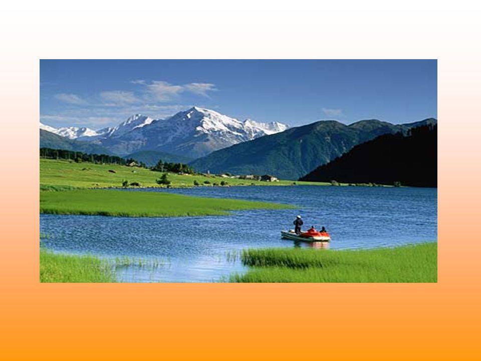 Clima e ambiente Il clima è alpino, con inverni molto freddi ed abbondanti nevicate; ed estati fresche e brevi. Nel territorio soffiano due tipi di ve