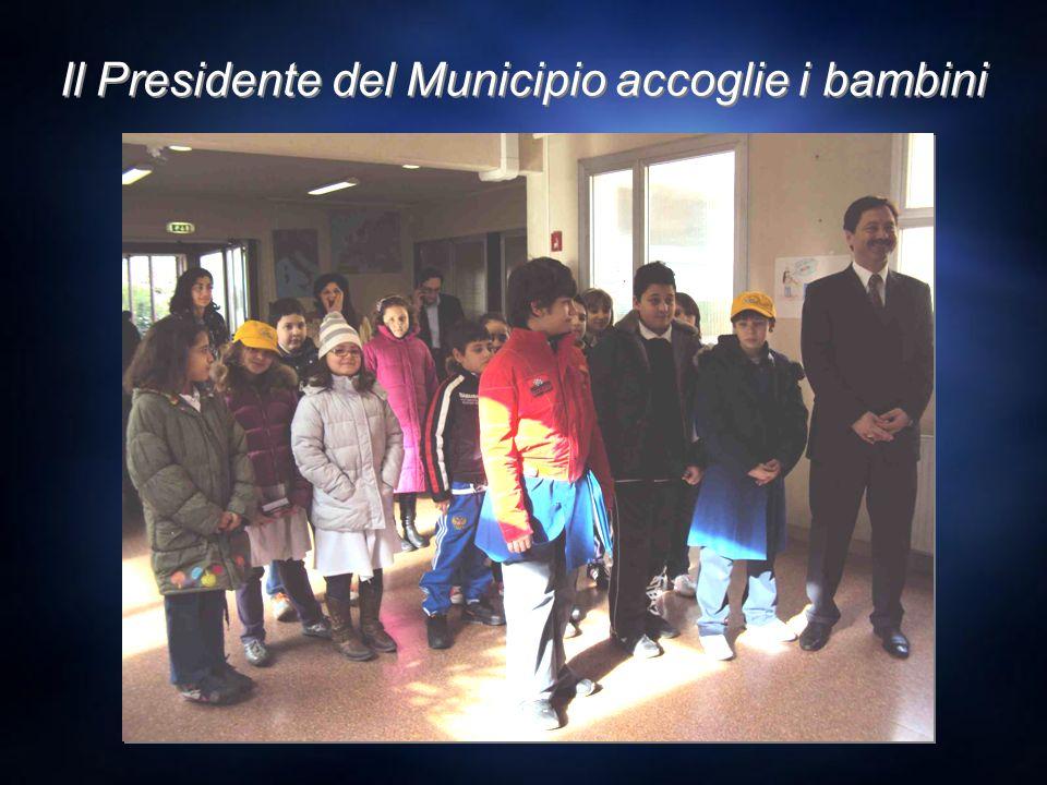 Il Presidente del Municipio accoglie i bambini