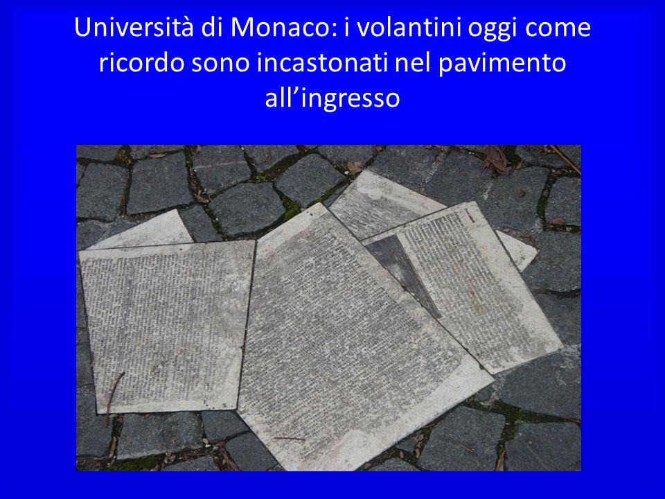 Università di Monaco: i volantini oggi come ricordo sono incastonati nel pavimento allingresso