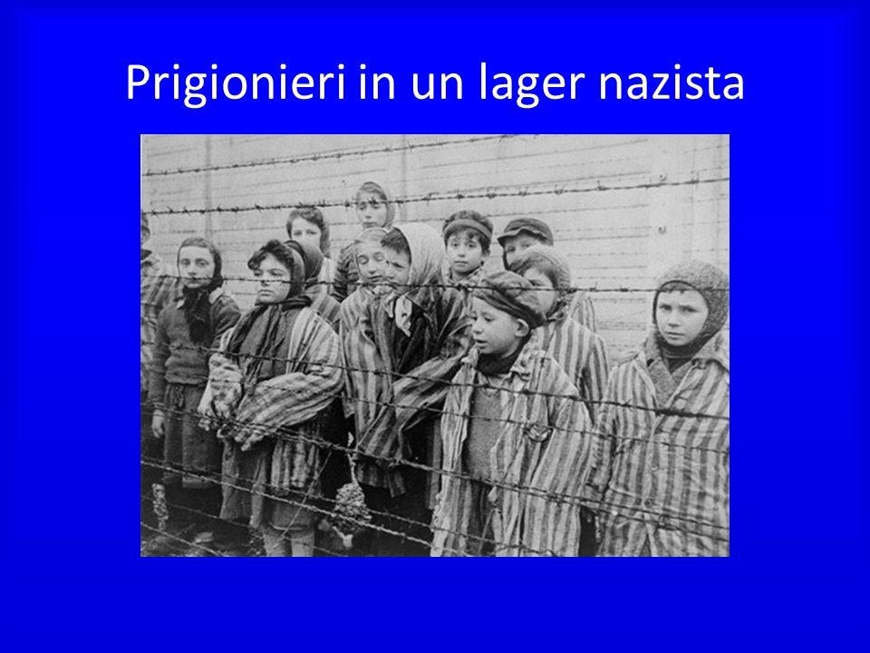 Prigionieri in un lager nazista