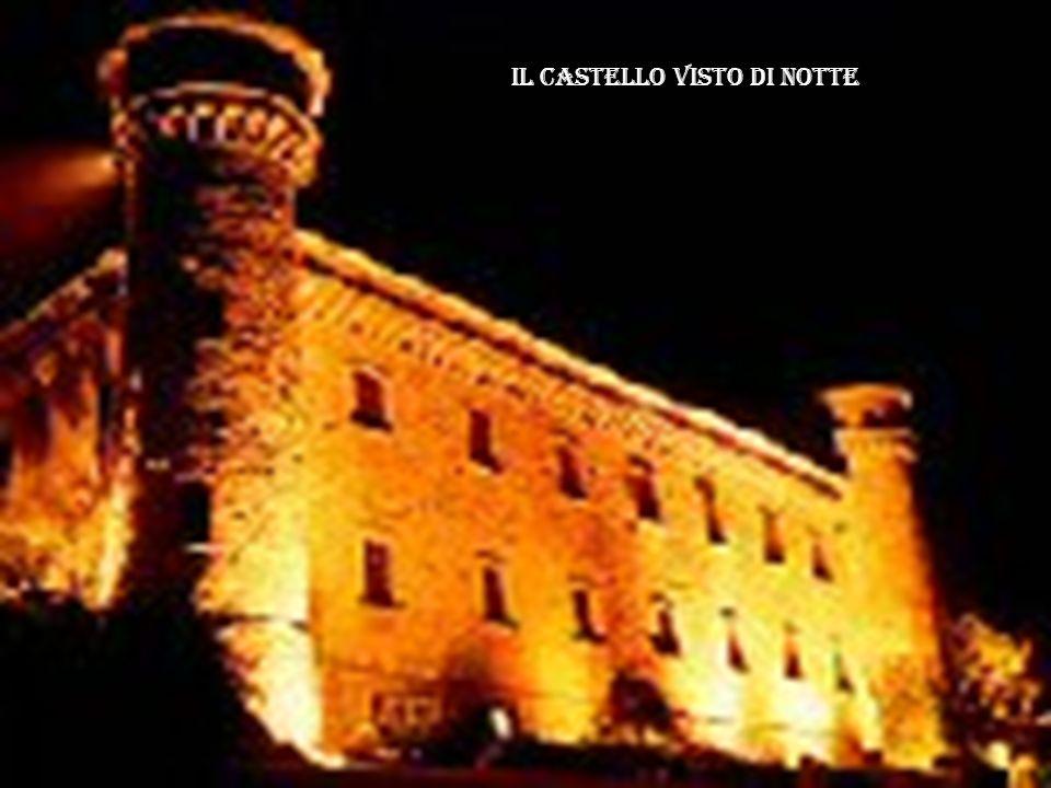 Il castello visto di notte