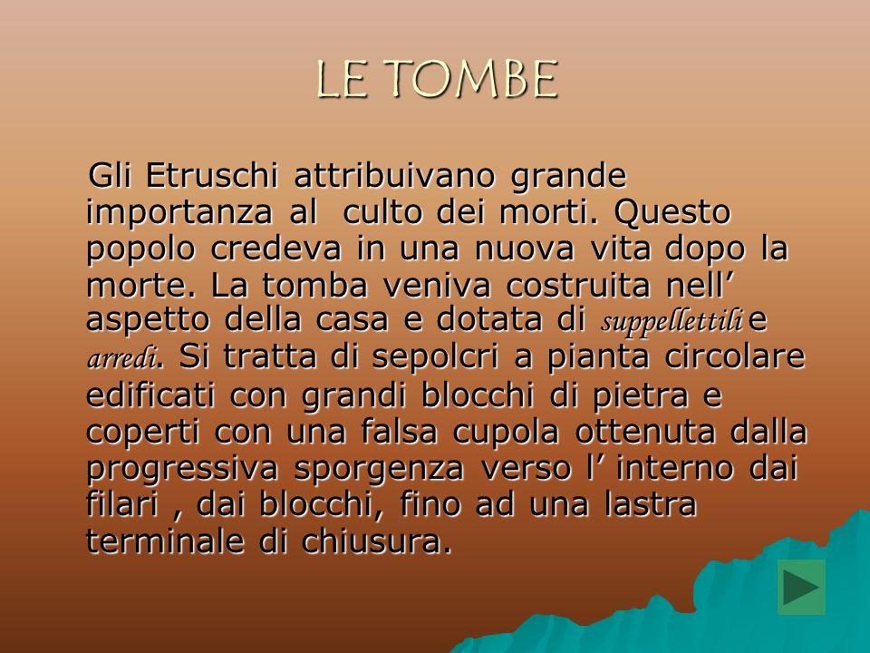 IL TEMPIO Basso e massiccio, il tempio etrusco sorge su una pianta quasi quadrata.