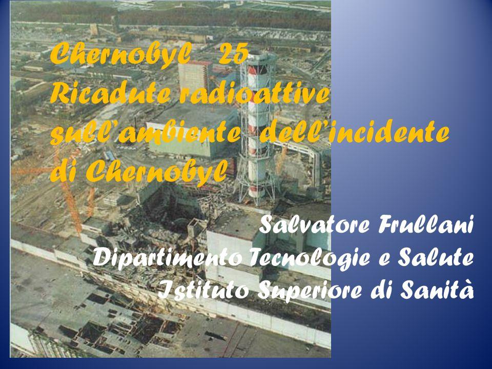 Evoluzione stime Xe-133 1700 PBq -> 6500 PBq I-131 260 PBq -> 1700 PBq Cs-137 38 PBq -> 85 PBq Np-239 4.2 PBq -> 1000 PBq le maggiori differenze attribuibili a sbagliato calcolo inventario Chernobyl 25 Udine 22-06-2011