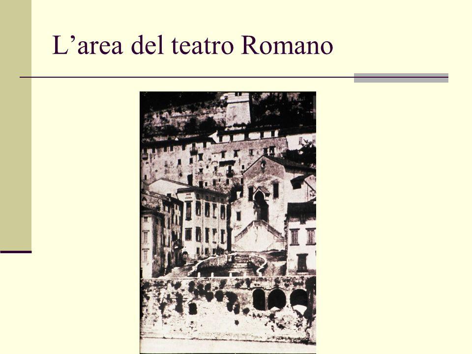 Larea del teatro Romano