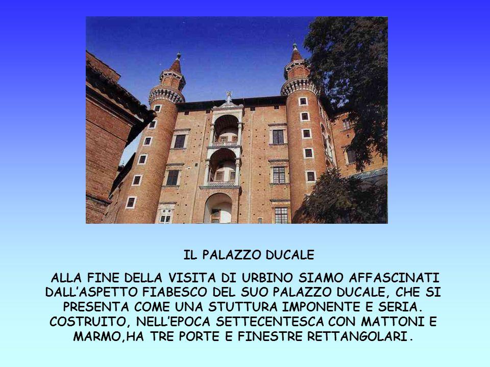 Queste sono le scale di Urbino, sono caratteristiche perchè sono fatte di mattoni messi di taglio (si dice a lama di coltello).