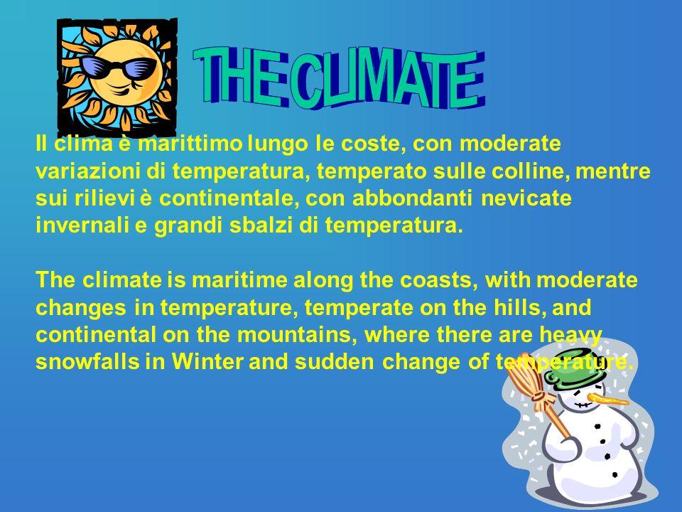 Il clima è marittimo lungo le coste, con moderate variazioni di temperatura, temperato sulle colline, mentre sui rilievi è continentale, con abbondanti nevicate invernali e grandi sbalzi di temperatura.