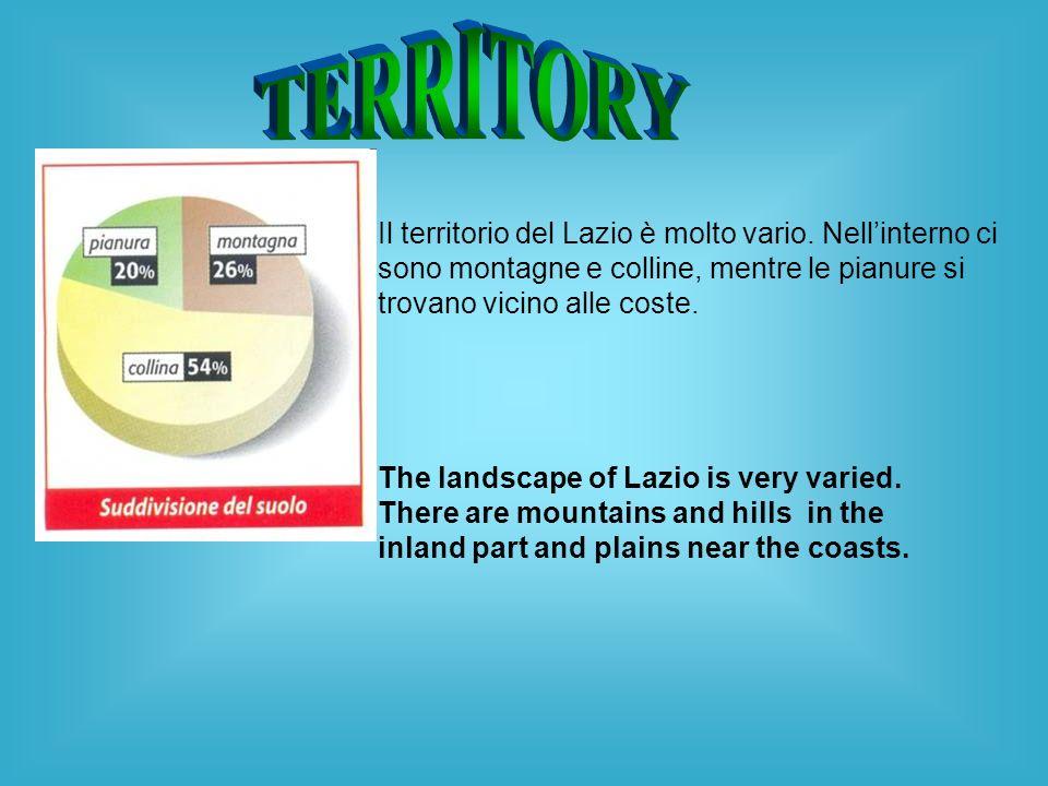 Il territorio del Lazio è molto vario. Nellinterno ci sono montagne e colline, mentre le pianure si trovano vicino alle coste. The landscape of Lazio