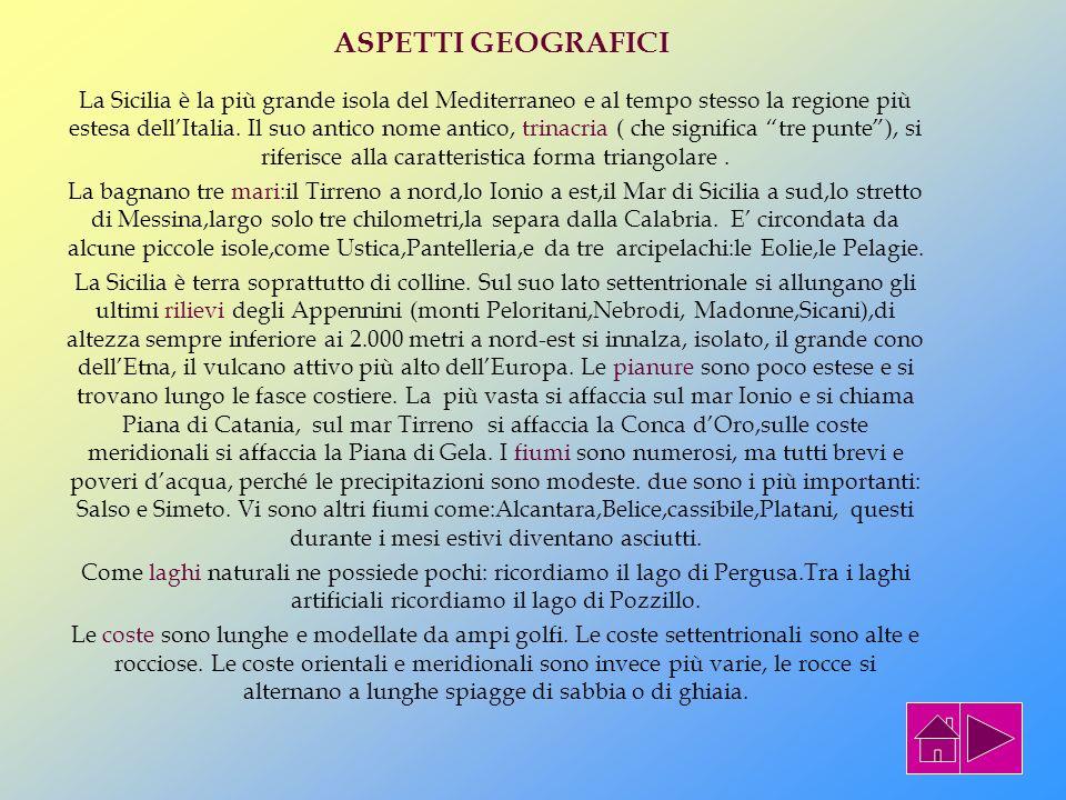La Sicilia ha un nome molto antico che viene ancora oggi adoperato:Trinacria. Esso deriva dalla forma triangolare dell isola. In seguito, i Romani tra
