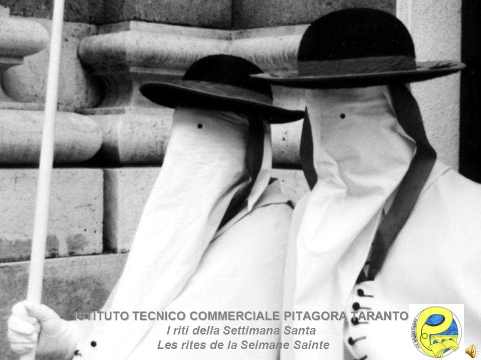 La processione dei Misteri, successiva a quella della Madonna Addolorata, è uno dei riti più antichi e celebri della Settimana Santa a Taranto.