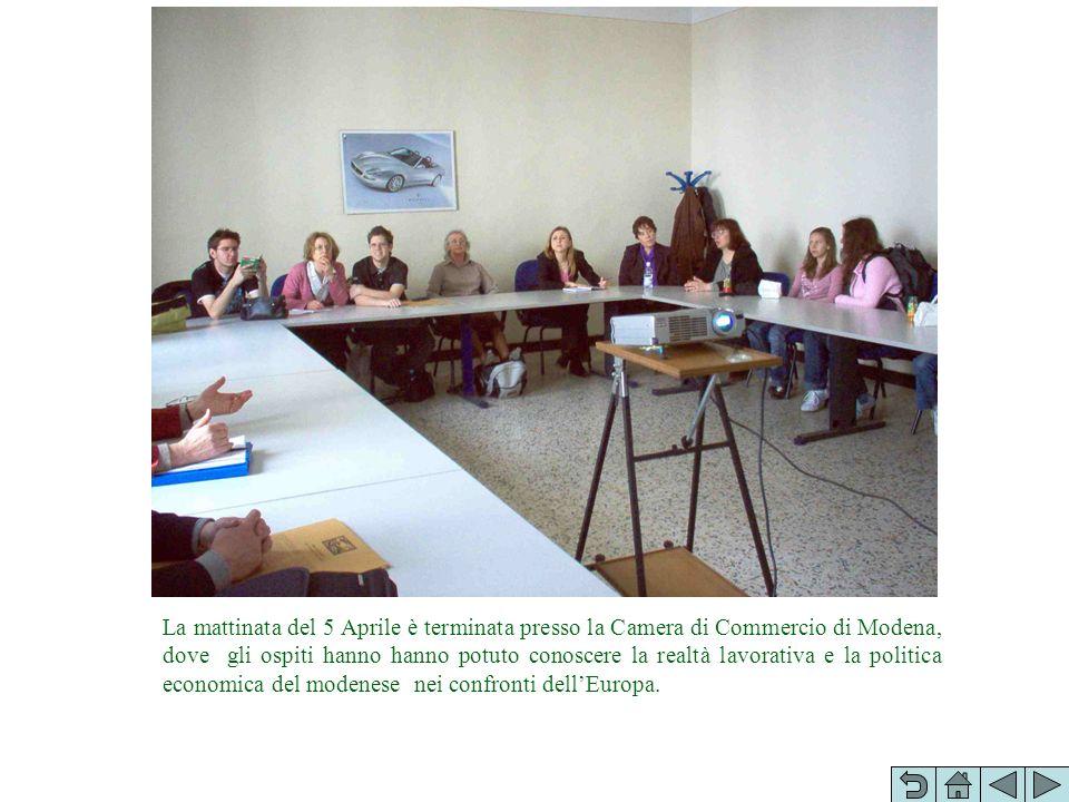La mattinata del 5 Aprile è terminata presso la Camera di Commercio di Modena, dove gli ospiti hanno hanno potuto conoscere la realtà lavorativa e la