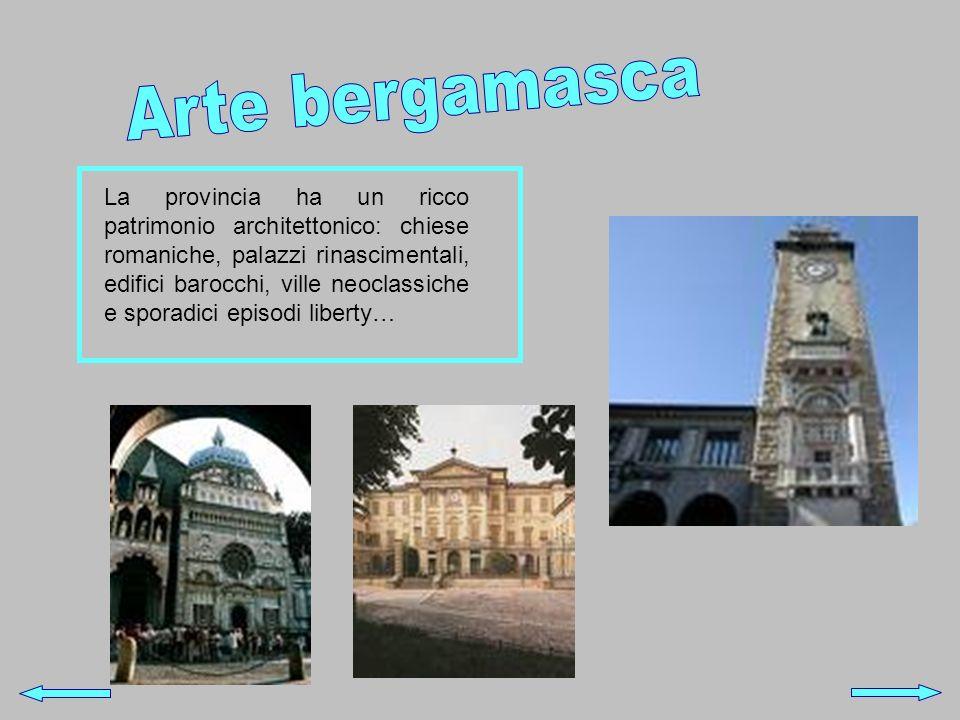 La provincia ha un ricco patrimonio architettonico: chiese romaniche, palazzi rinascimentali, edifici barocchi, ville neoclassiche e sporadici episodi