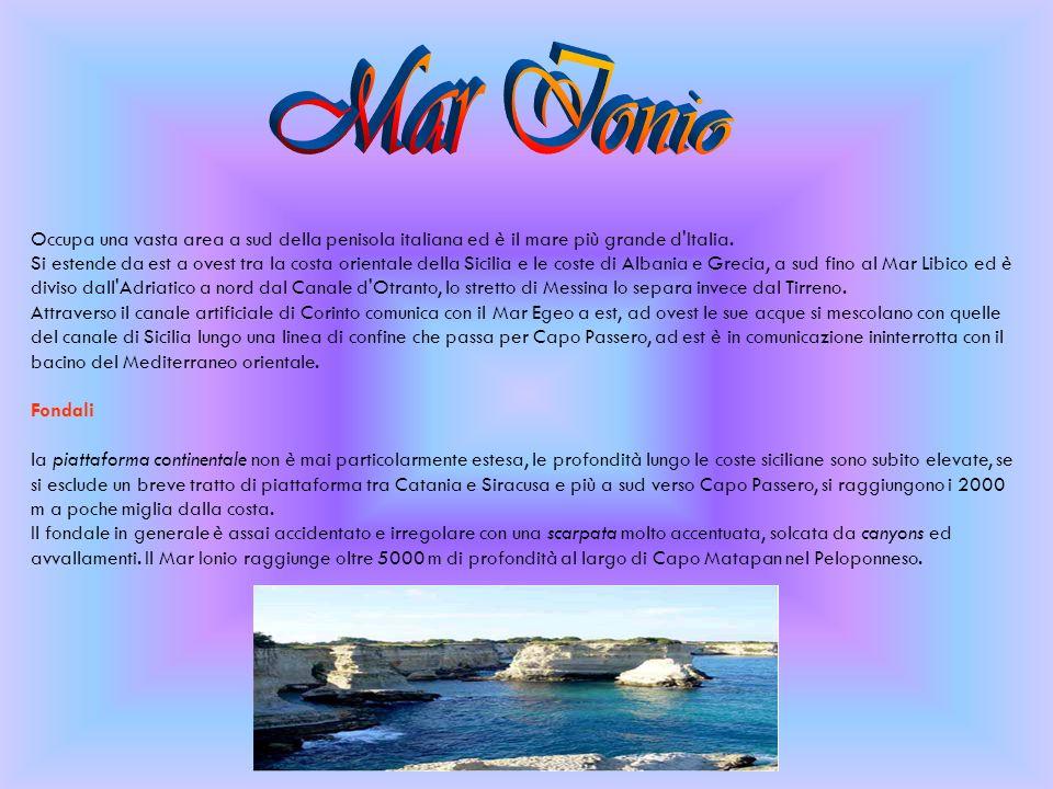 Occupa una vasta area a sud della penisola italiana ed è il mare più grande d'Italia. Si estende da est a ovest tra la costa orientale della Sicilia e