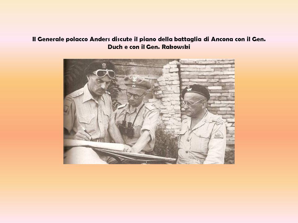 Il Generale polacco Anders discute il piano della battaglia di Ancona con il Gen. Duch e con il Gen. Rakowski