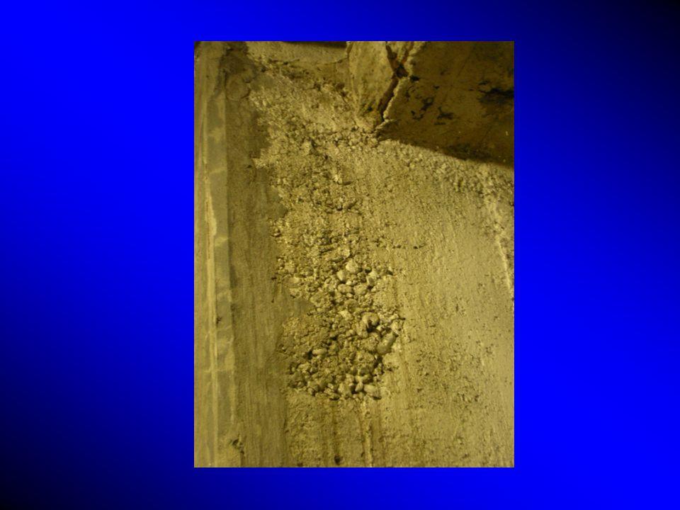 La prova deve essere effettuata su una superficie fresca di rottura, perpendicolare alla superficie esterna del calcestruzzo.