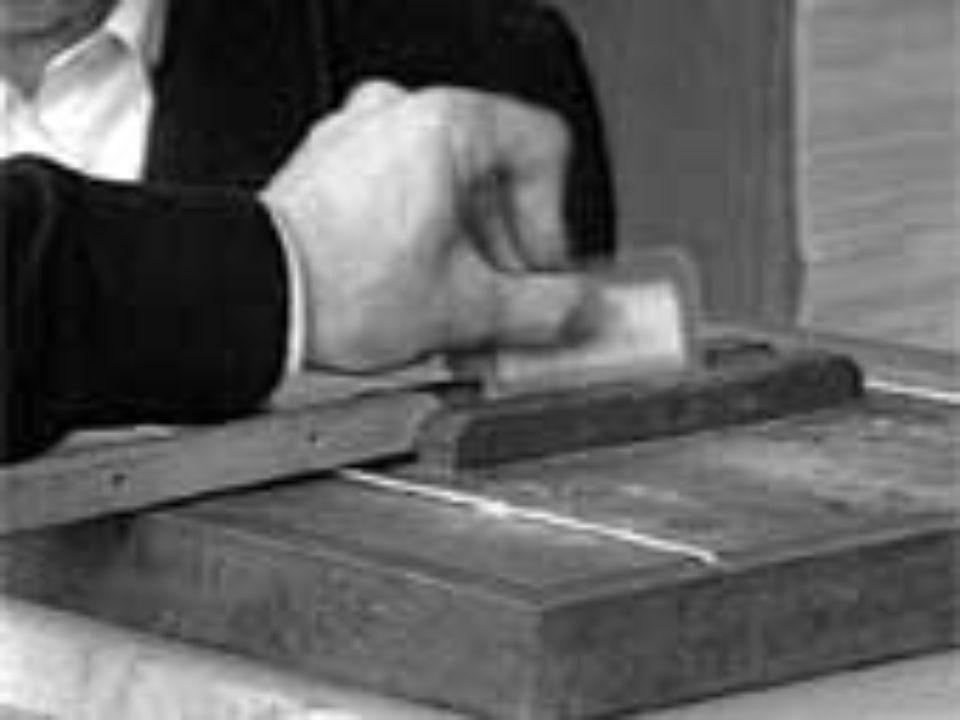 PLEBISCITO 11-12 Marzo 1860 In questi giorni si tiene il plebiscito: per la prima volta in Italia possono andare a votare tutti i maschi di età superiore a 21 anni, abolendo così il voto censitario adottato nellelezione del 1848.