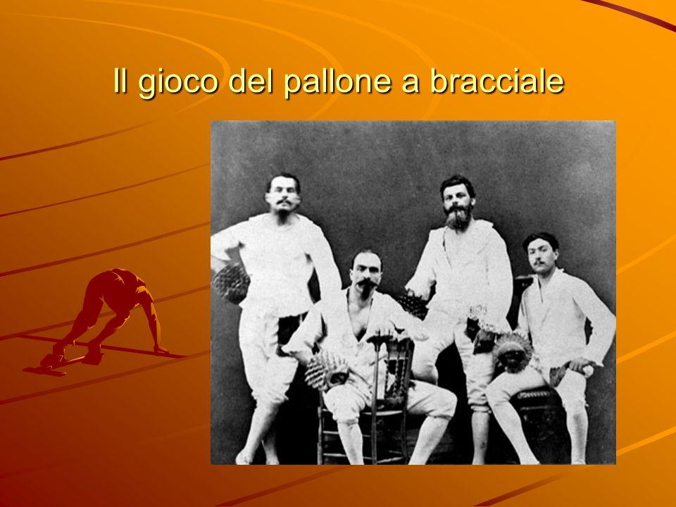 Cenni storici Evoluzione italiana del diffusissimo gioco rinascimentale della pallacorda; lo si poteva giocare con o senza rete, in presenza o meno di un muro di sponda.