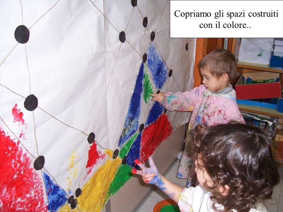 Copriamo gli spazi costruiti con il colore..