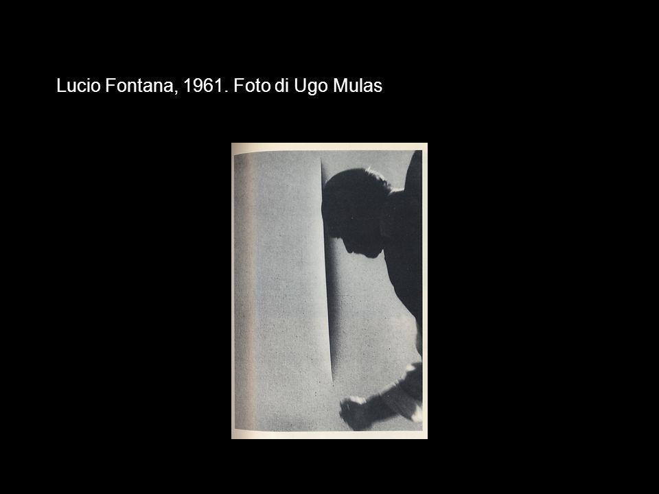 Lucio Fontana, 1961. Foto di Ugo Mulas