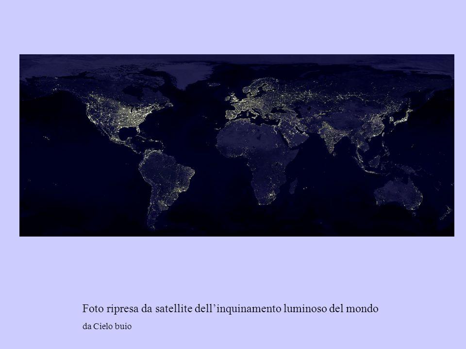Foto ripresa da satellite dellinquinamento luminoso del mondo da Cielo buio