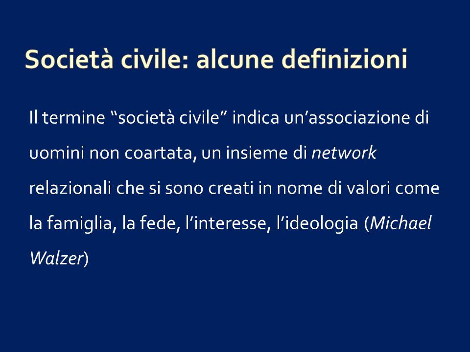 è un concetto che raccoglie tutte le forme dazione sociale, di individui o di gruppi, che non rappresentano unemanazione dello Stato e che non sono da esso dirette.
