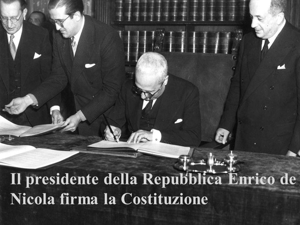 www.didadada.it La Costituzione italiana è votata e scritta: Votata, in quanto è stato il popolo a darsi questo documento, non un sovrano a concederlo