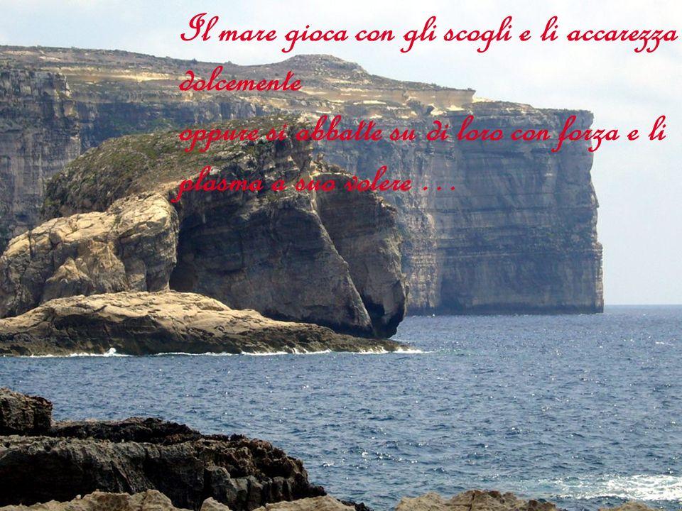 Dolci silenzi mi accompagnano mentre lo sguardo del mare arricchisce il cuore, libera la mente.