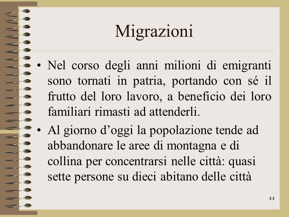 45 Migrazioni A partire dagli anni Cinquanta in Italia si sono verificati intensi flussi migratori interni, dalle aree più povere del Mezzogiorno verso il Nord più benestante e industrializzato.