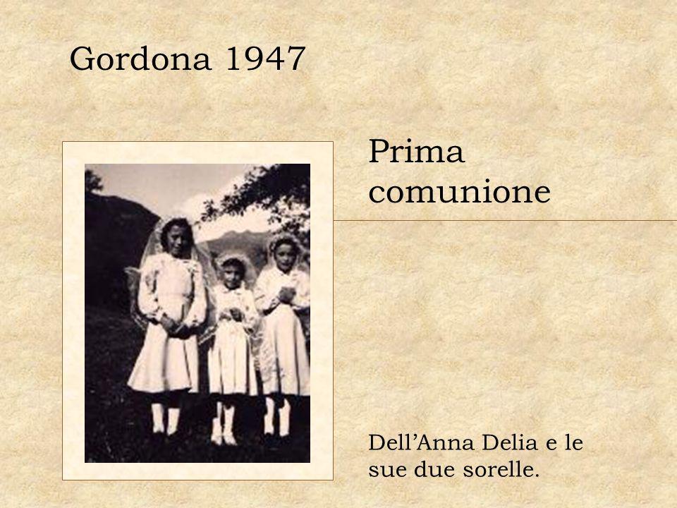 Gordona 1947 Prima comunione DellAnna Delia e le sue due sorelle.