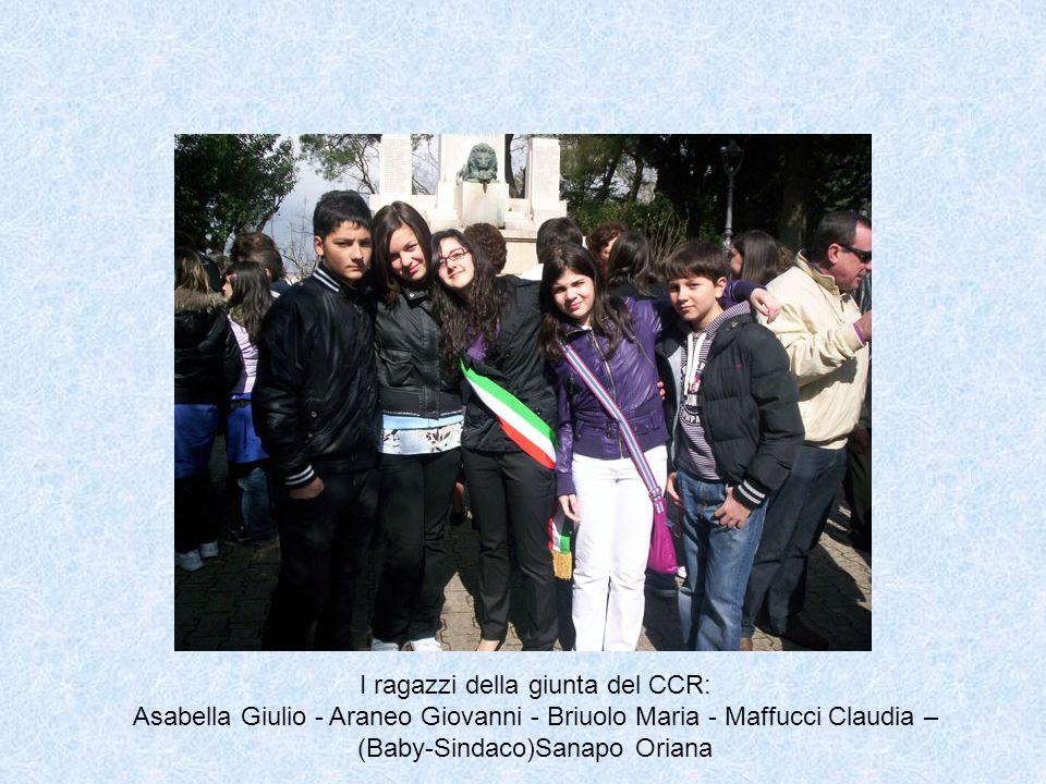 I ragazzi della giunta del CCR: Asabella Giulio - Araneo Giovanni - Briuolo Maria - Maffucci Claudia – (Baby-Sindaco)Sanapo Oriana
