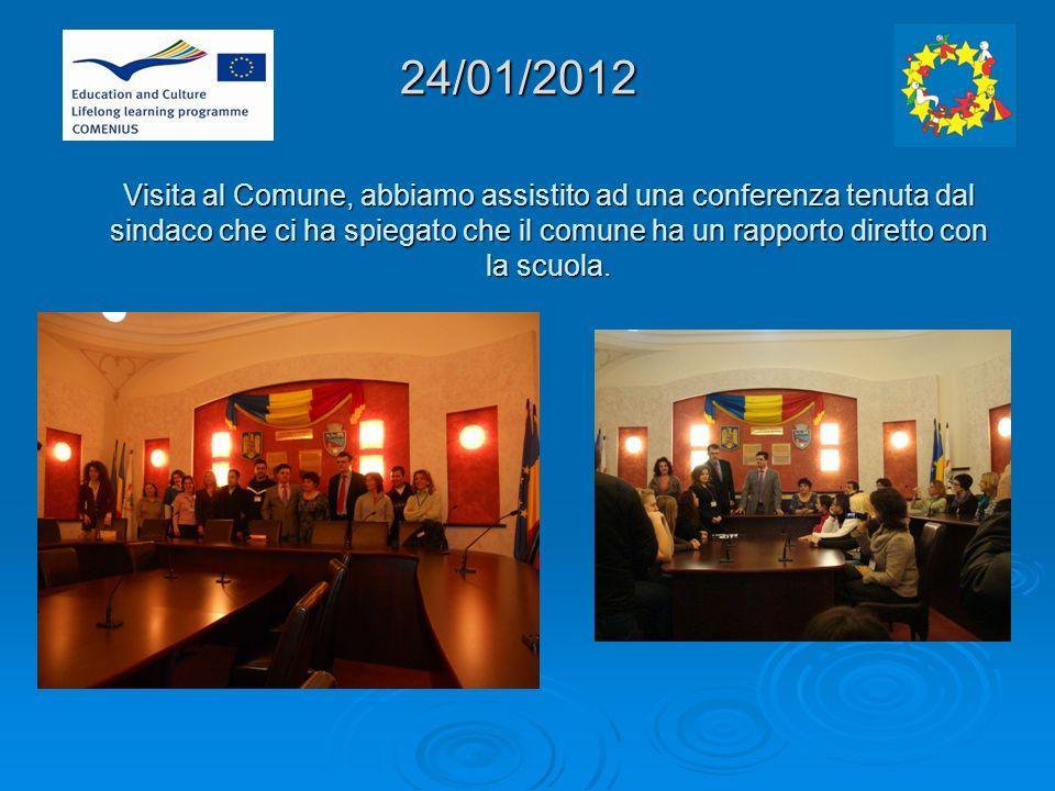24/01/2012 Visita al Comune, abbiamo assistito ad una conferenza tenuta dal sindaco che ci ha spiegato che il comune ha un rapporto diretto con la scuola.