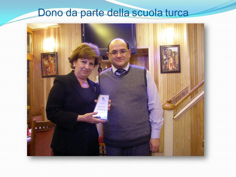 Dono da parte della scuola turca