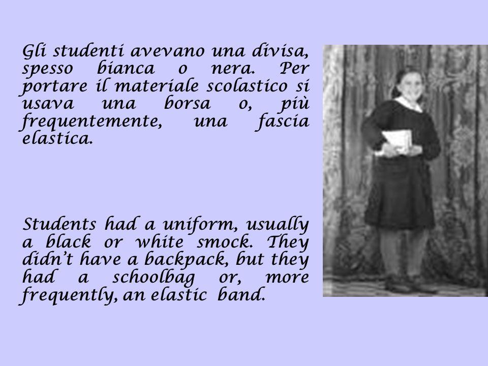 Gli studenti avevano una divisa, spesso bianca o nera. Per portare il materiale scolastico si usava una borsa o, più frequentemente, una fascia elasti